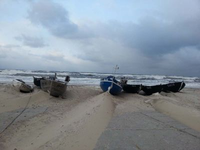 Sturm Am Strand In Baabe Mit Boote Winter